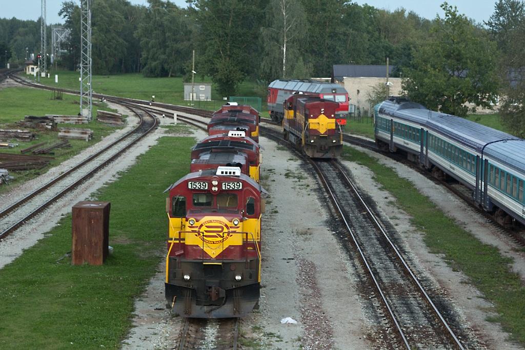 Дизель-поезд DR1B-3706